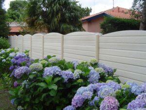 clôture béton forêt ton pierre